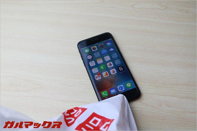 ユニクロの袋はiPhone7のホームボタンで指紋認証まで突破しました