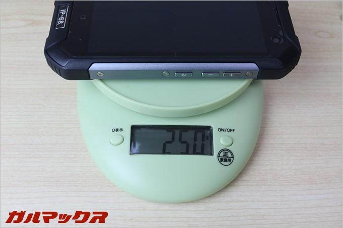 BV6000sは圧巻の重量250g
