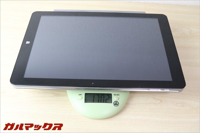 Chuwi Hi12はキーボード込で1.7kgあります。これは重い。