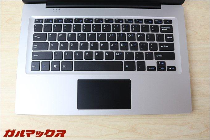 Jumper Ezbook 3のキーボード配列は少し特殊なので慣れが必要です。