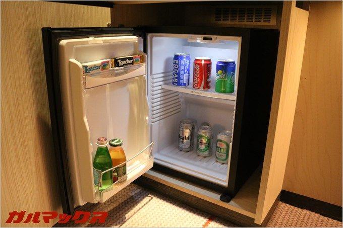設置されている冷蔵庫にはご当地ビールも。