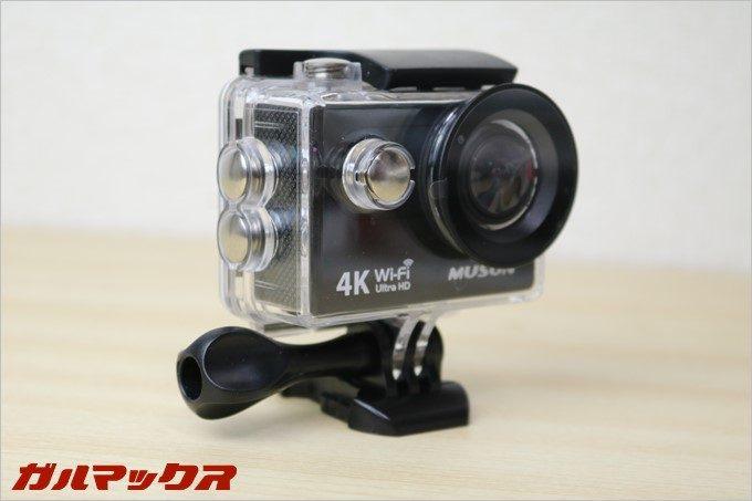 MUSON MC2は水中撮影も可能な防水ケースが入っています。