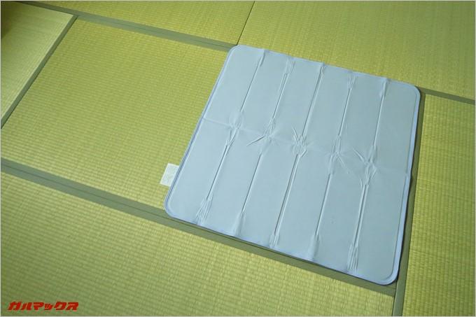 90×90サイズは畳半分のサイズなのでシングルサイズの布団に引く場合は2セット購入がオススメ