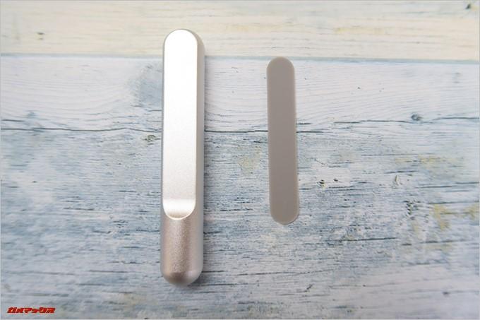 Jelly Combのヘッドホンスタンドのヘッドホンを置くスタンド部分にはキズがつかないようにラバーのシートが同梱されています