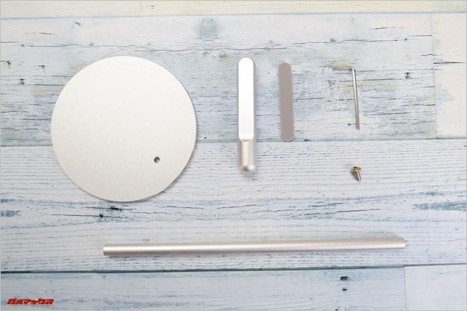Jelly Combのヘッドホンスタンドの同梱品には組み立て用の工具が備わっていました