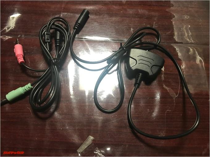 SADES SA-921にはXboxコントローラーに接続するためのアタッチメントも付属しています