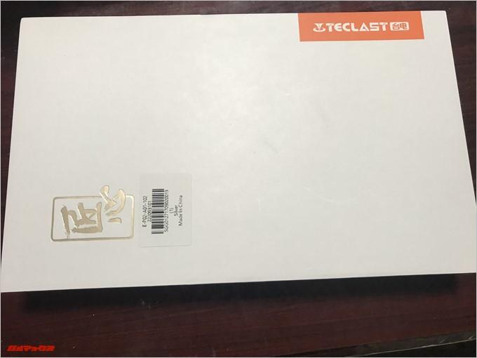 Teclast Master T10の外箱は真っ白