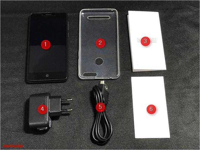 LEAGOO KIICAA POWERの同梱物は本体の他にケース取扱説明書、充電器、MicroUSDケーブル、保証書