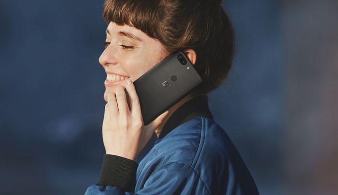 OnePlus 5Tの指紋認証ユニットは本体背面の上部中央へ移動した