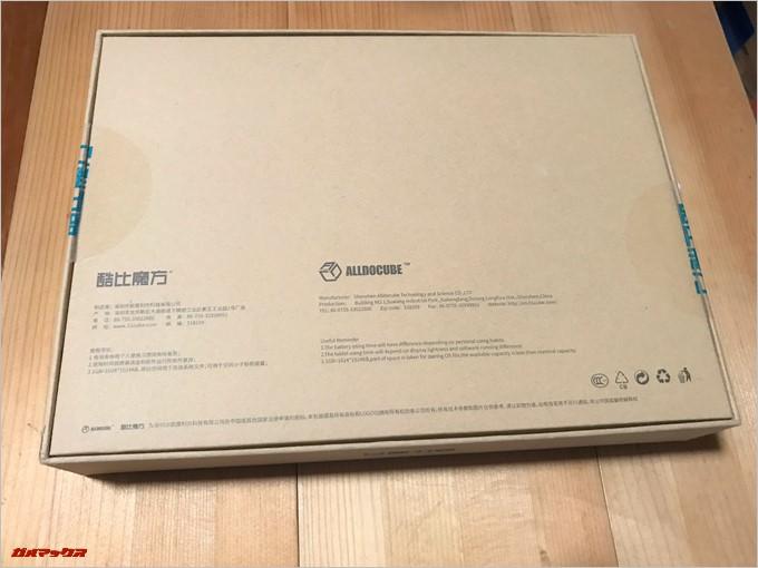 CUBE iPlay 8は海外製品なので外箱には英語と中国語のみの記載でした