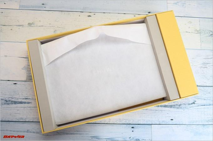 Chuwi LapBook AIRの梱包は非常に丁寧で上位機種の様な丁寧な梱包でした