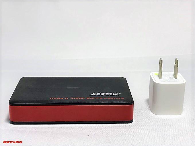 AGPtEK HDMIゲームキャプチャーは置き場所に困らないサイズ感です。