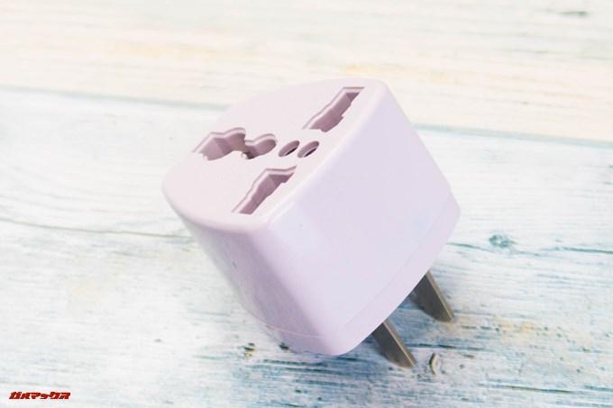 Dibea 2-in-1 Wireless Vacuum Cleaneに付属の変換プラグは様々な形状で利用できるタイプでした