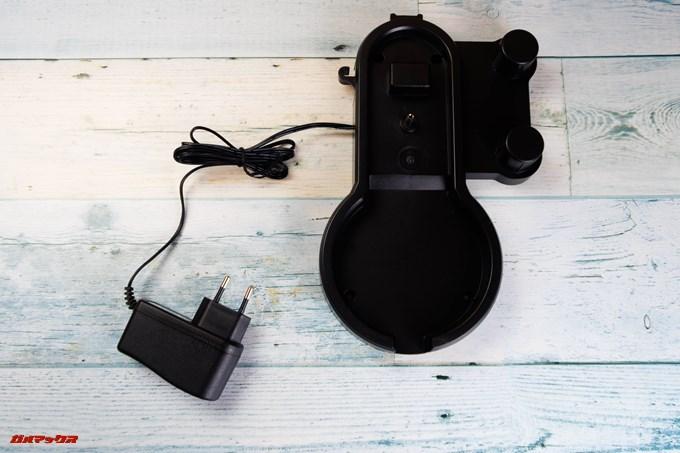 Dibea 2-in-1 Wireless Vacuum Cleaneの充電台はケーブル一体型