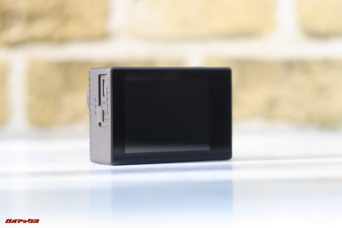 Thieye E7には映像確認用で2型のコンパクトなディスプレイが備わっています。