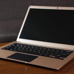 アルミ製のゴールドボディが非常に美しい中華ノートパソコン YEPO 737A Notebook レビュー