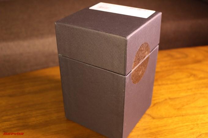 BOSE SoundLink Revolveの内箱はブラックの梱包でした