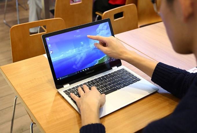 Teclast F6 Pro Notebookはタッチパネルに対応しています。