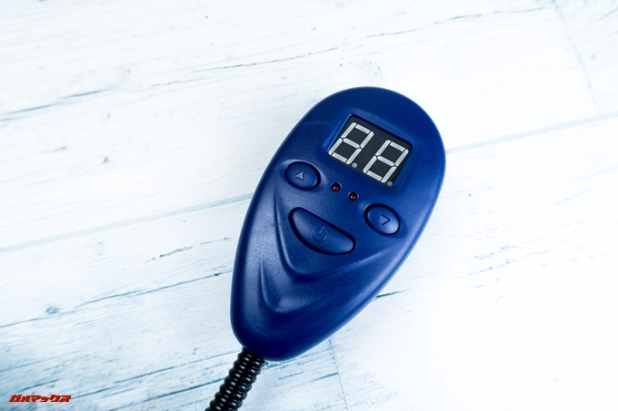 ペット用ホットカーペットのリモコンは温度がデジタル表示されるタイプ