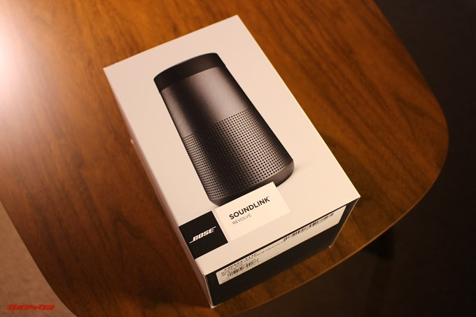 BOSE SoundLink Revolveの外箱は価格に見合う立派な化粧箱