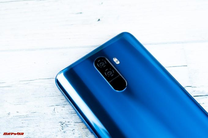 Elephone U Proの指紋認証ユニットはカメラと同じ高さで並んでいる為、カメラレンズを触りがちです