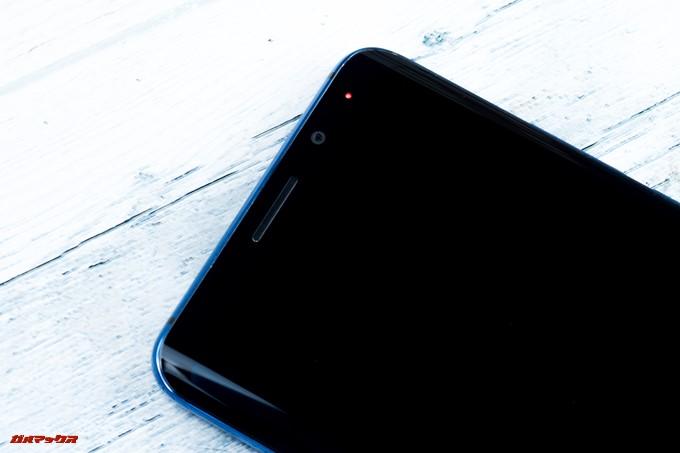 Elephone U Proには通知をLEDで知らせてくれる通知LEDが備わっていました