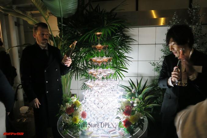 ili STORE 表参道店の前夜祭でシャンパンタワーが登場!