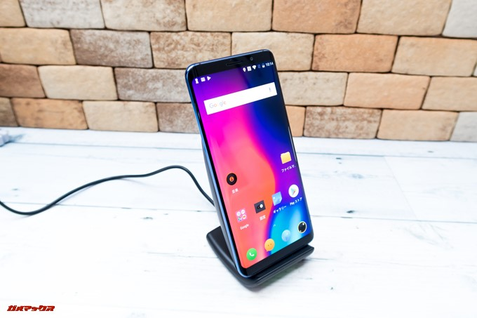 Elephone U Proはワイヤレスで充電できます