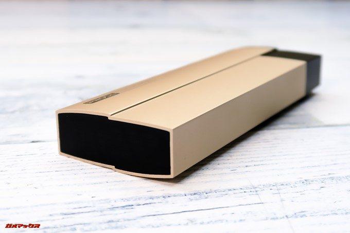 KEROLLAは凹凸のある立体的なデザイン