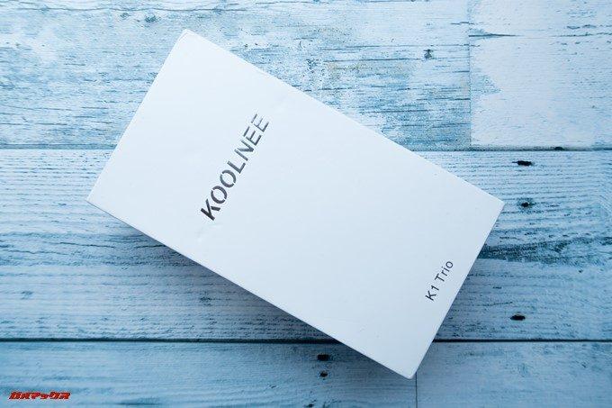 KOOLNEE K1 Trioの外箱はホワイトベースの弁当箱タイプ