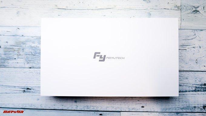 Feiyu Tech G5の内箱は真っ白でロゴが入っています。