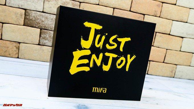 MIFA A1はブラック・イエローのカッコいい外箱で届きます。