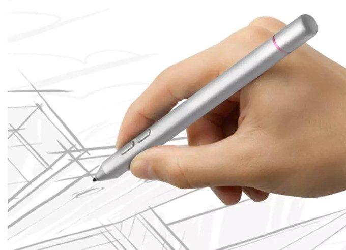 VOYO i8 Maxは2048段階の筆圧スタイラスペン入力に対応しています。