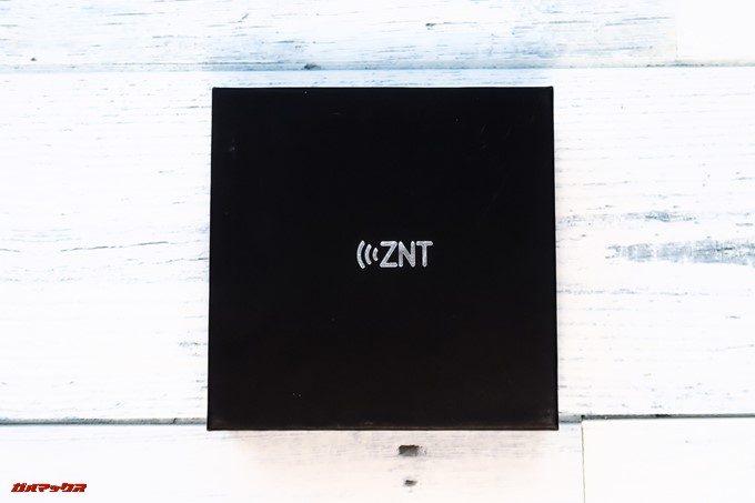 ZNT AirFits Iは真っ黒な箱に入ってます。