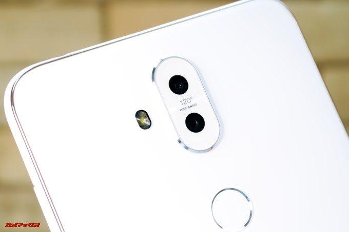 ZenFone 5Q/lite/Selfie(ZC600KL)の背面カメラもダブルレンズカメラを採用しています。