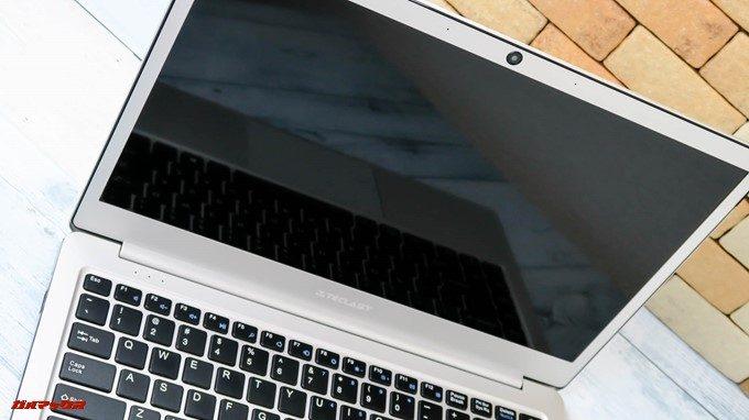 Teclast F7のディスプレイは光沢のある14インチディスプレイを備えています。