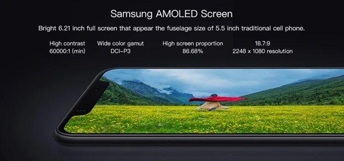 Xiaomi Mi 8のディスプレイは有機ELを採用しているので発色が良く、黒の表現力も抜群です。