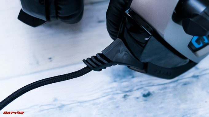 ONIKUMAゲーミングヘッドセットK5のケーブルは脱着式ではなく埋込式。なので、使い潰す事前提に利用しましょう