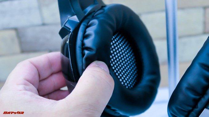 ONIKUMAゲーミングヘッドセットK5のイヤーパッドは非常に柔らかいです