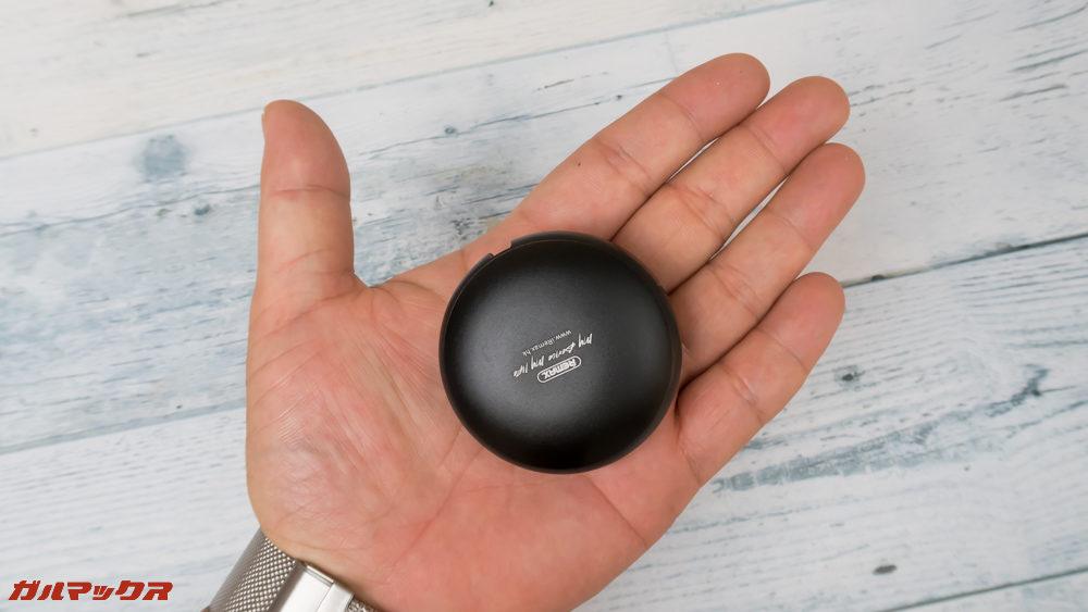REMAX CUTE BABYは手にひらサイズでコンパクトでした。