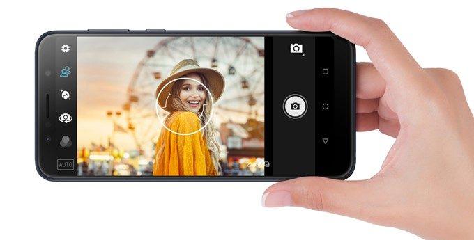ASUS Zenfone Max Pro (M1)は背景をボカす事のできるポートレート撮影が可能です。