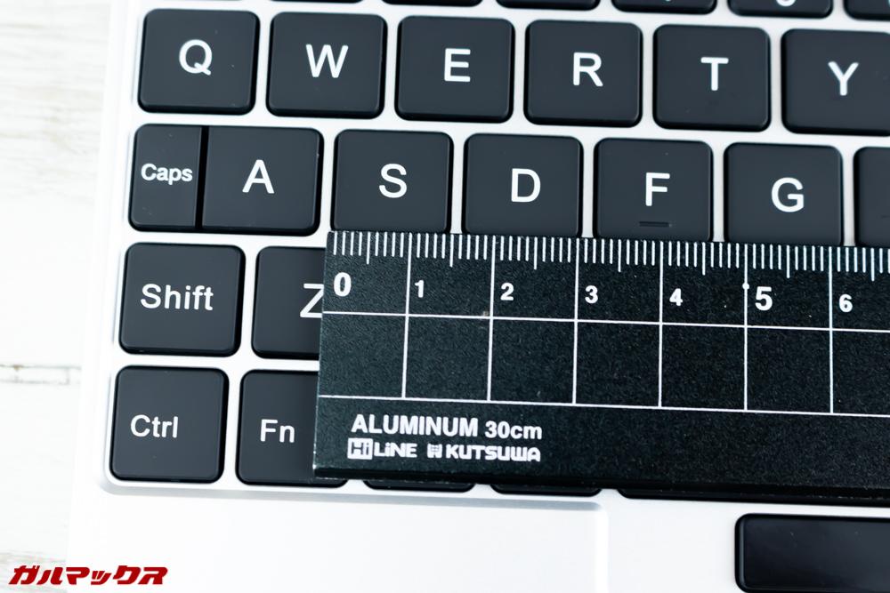 One Mix 2Sのキートップは14mmあるので打ちやすい部類。