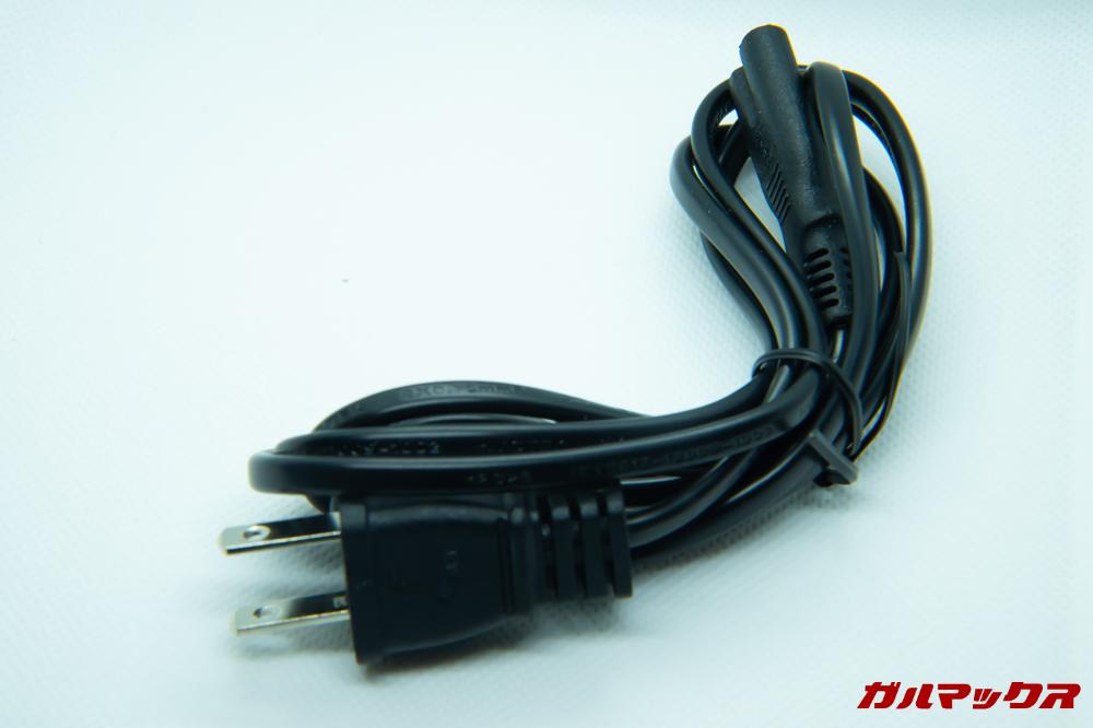 FUNAVO RD815に付属の電源ケーブルは日本のコンセントに差し込むことが出来る形状です。