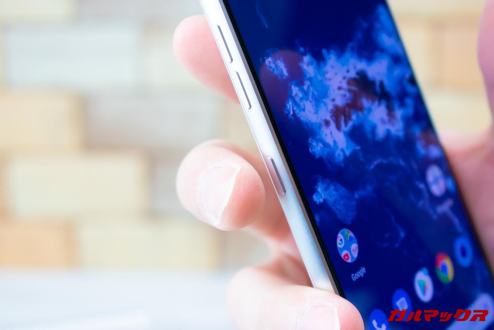 Android One X5のGoogleアシスタントボタンは押す回数により動作が変わります。