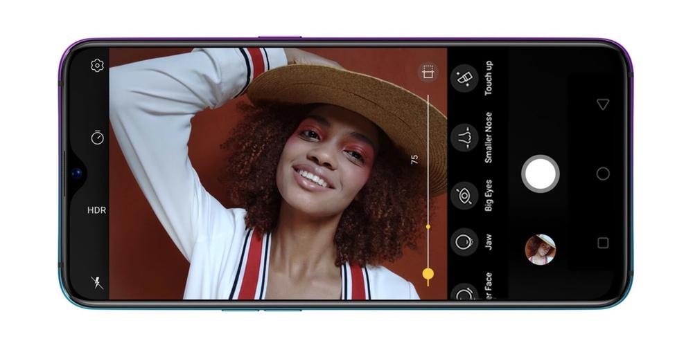 OPPO R17 Proはインカメラに2500万画素のAIカメラを搭載。