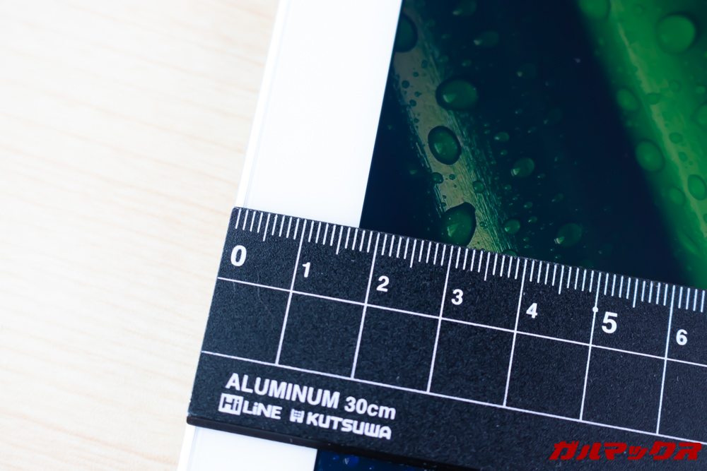 ALLDOCUBE M5Xの太いベゼルは幅が17mm