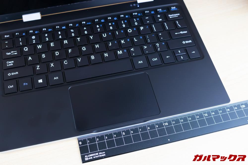 Jumper EZbook X1のタッチパッドは1枚板タイプ