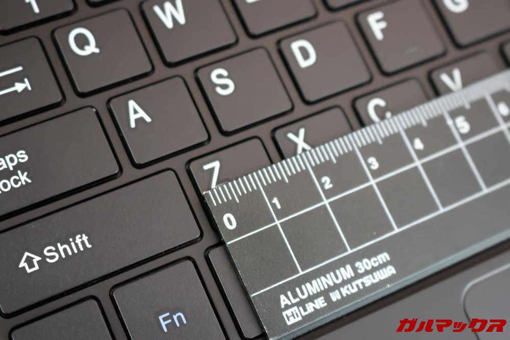 Jumper EZbook X1のキーボードは14mmトップ