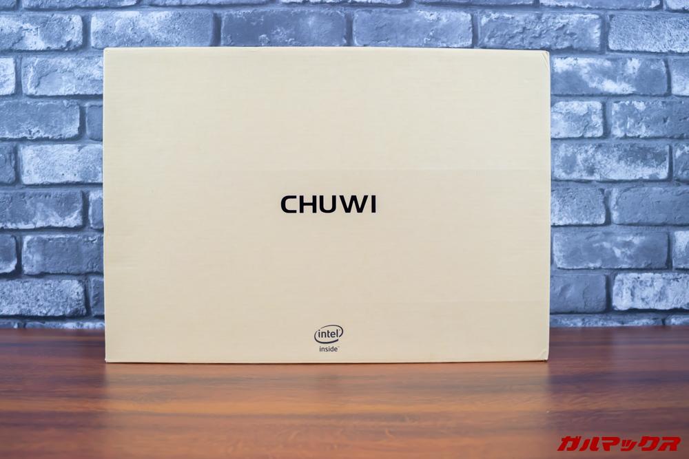 AeroBookの外箱はCHUWIらしい箱に入っています。