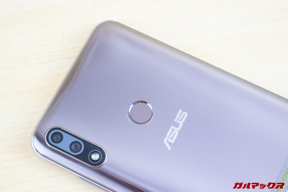 ZenFone Max Pro (M2)の指紋認証ユニットは背面に設置